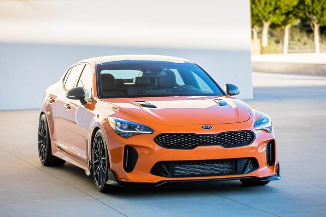 El KIA Stinger se pinta de naranja para el SEMA y estará acompañado por dos autos más