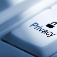 Restringir la pornografía en los móviles de toda una región: ¿es posible? ¿Y justo?