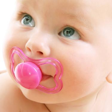 Chupete, ¿sí o no? Claves de uso, beneficios y riesgos en recién nacidos y bebés, según la ciencia