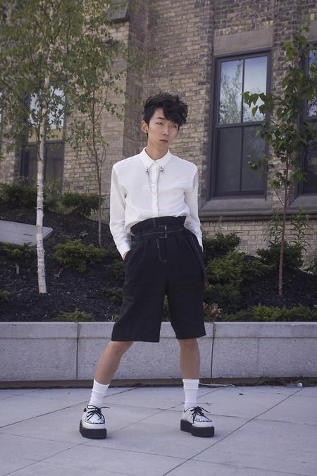 El Mejor Street Style De La Semana Blanco Y Negro Combinacion Triunfante 2020 Trendencias Hombre 06