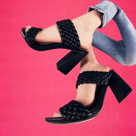 21 sandalias trenzadas y acolchadas: la tendencia en calzado que sigue arrasando esta temporada