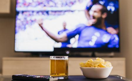 Fútbol, cine, series y mucho más: guía para elegir operador en función de su oferta de TV
