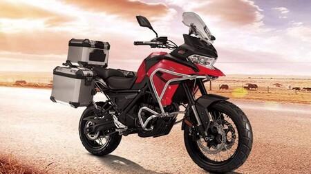 La nueva Voge 650DS se deja ver en este vídeo antes de que la nueva trail china para el carnet A2 llegue a España