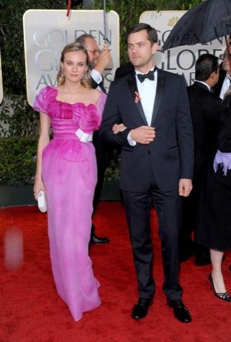 Los famosos mejor vestidos en los Globos de Oro. Joshua Jackson