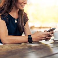 Un estudio revela que usar el móvil durante el embarazo no afecta el desarrollo cerebral del bebé en el futuro