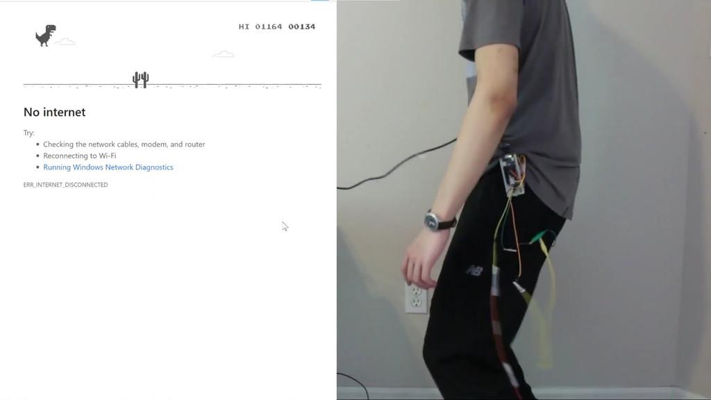 Jugar al dinosaurio de Google Chrome dando saltos y agachándonos en la vida real es posible gracias a Arduino