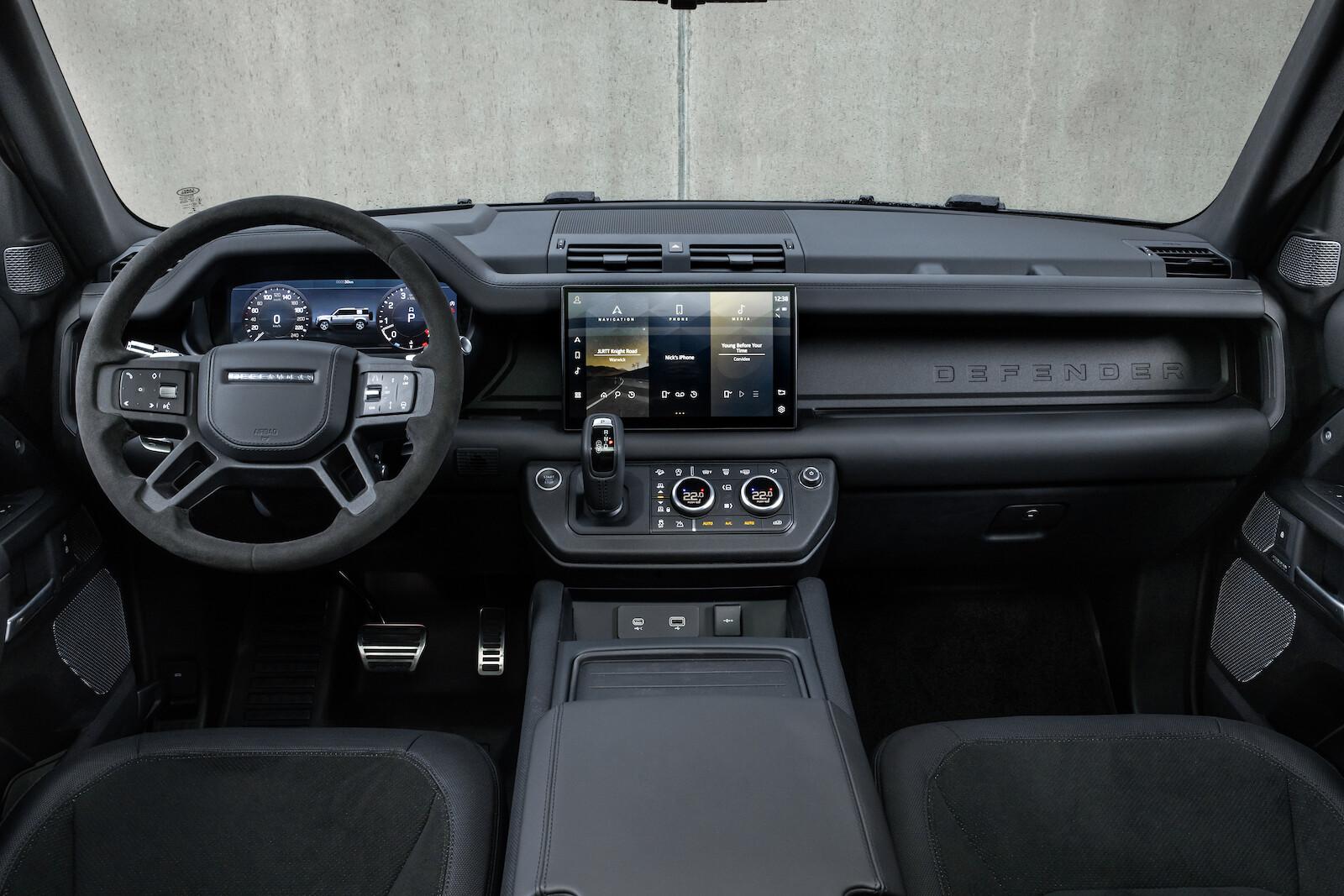 Foto de Land Rover Defender V8 (24/30)