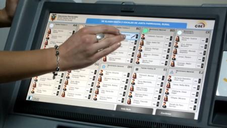 El voto electrónico no es sólo un tema tecnológico: así podría cambiar la democracia tal y como la entendemos
