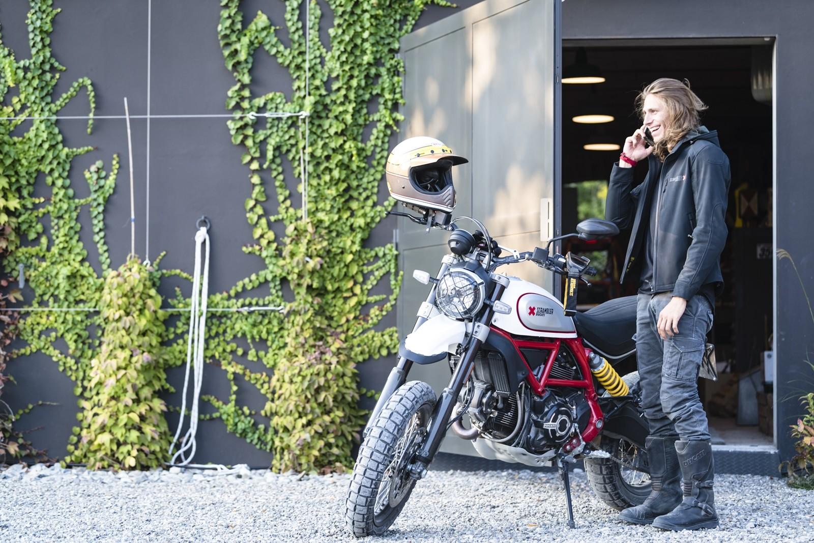 Foto de Ducati Scrambler Desert Sled 2019 (22/22)