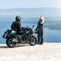 La Kawasaki Ninja 1000SX releva a la Kawasaki Z1000SX con un nuevo diseño y mejoras en la electrónica