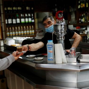 ¿DNI para entrar en bares y restaurantes? De momento, solo en discotecas, pubs y salones de banquetes de algunas comunidades