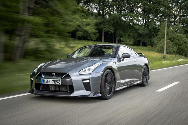Nissan asegura que todos sus coches cumplen con los límites de emisiones en Japón... menos el GT-R