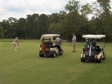 El vuelo de la pelota de golf y el recorrido de una empresa