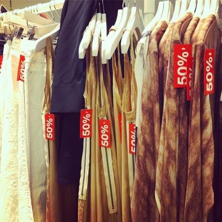 H&M rebaja un 50 % la colección con Maison Martin Margiela en el extranjero, aún disponible en las tiendas