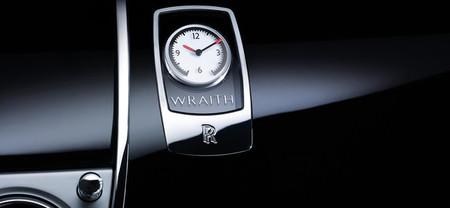 El Rolls-Royce Wraith desvela su puerta y el reloj