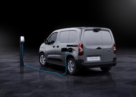 Peugeot E Partner 2021 009