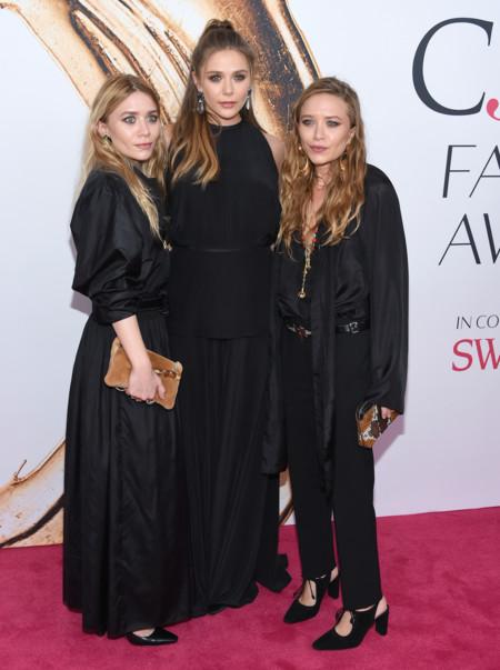 Lizabeth Olsen Center And Her Sisters Ashley Olsen And Mary Kate Olsen