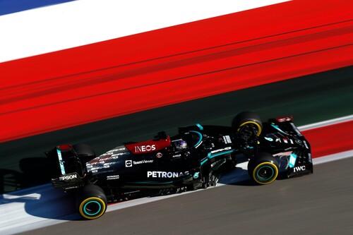 ¡Brutal! Lewis Hamilton logra su victoria 100 en la Fórmula 1 gracias a la lluvia y Carlos Sainz se sube al podio