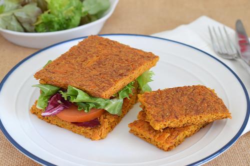 Pan de sándwich fitness de zanahoria: receta saludable muy fácil sin cereales