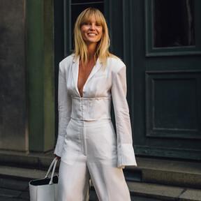 Este otoño 2020 volveremos a vestir de blanco y el street style nos ofrece toda la inspiración que necesitamos