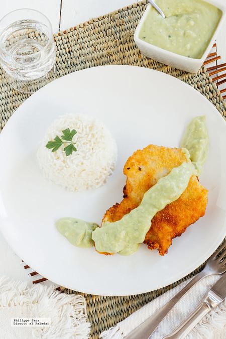 Pescado frito con salsa de aguacate. Receta para las Fiestas Patrias