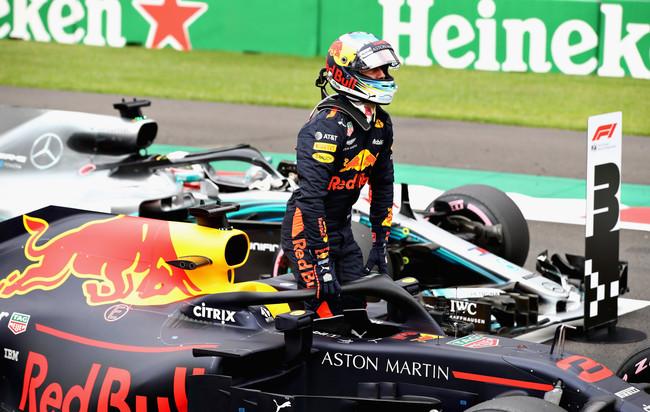 Red Bull se mete en la lucha por la victoria en México y Ricciardo echa gasolina en su duelo con Verstappen