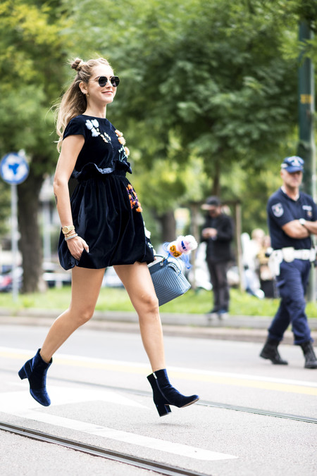 Como Combinar Un Vestido Azul Marino 7