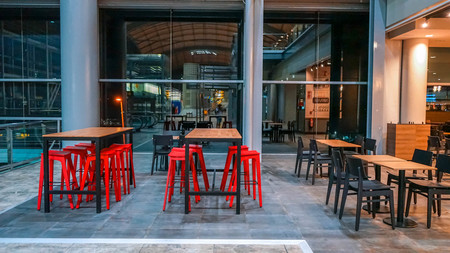 El estilo industrial llega al Aeropuerto de Alicante con su nueva cafetería canadiense Tim Hortons