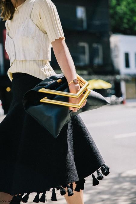 La calle lo tiene claro: las borlas son la mejor manera de vestir los días
