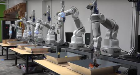 Catorce brazos cogiendo cosas sin parar, así quiere Google que sus robots aprendan