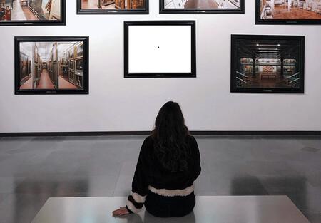Representación de una obra digital en un museo