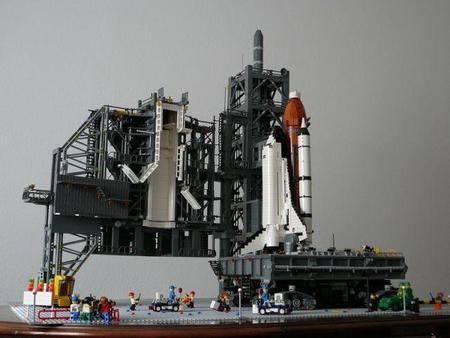 La plataforma de lanzamiento del Shuttle en Lego