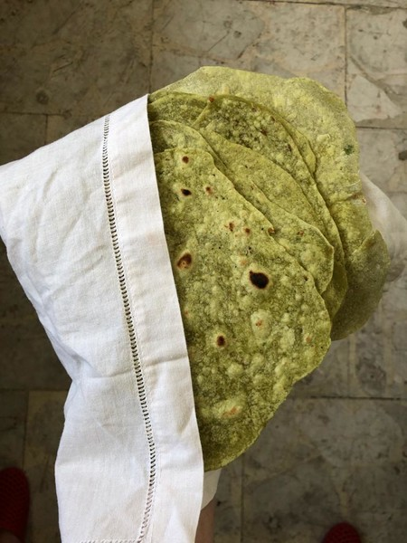 Tortillas de jalapeño, cilantro y asiento de cerdo. Receta mexicana sencilla