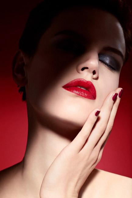 """El """"Rouge Ecstasy"""" de Giorgio Armani, la primera barra de labios CC Color&Care"""