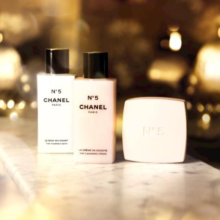 El perfume Nº 5 de Chanel se introduce en nuestro cuarto de baño y se convierte en todo un ritual