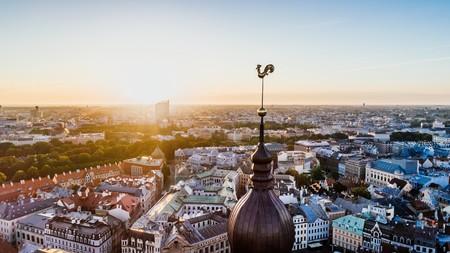 Viaje Low Cost Puente Agosto Riga