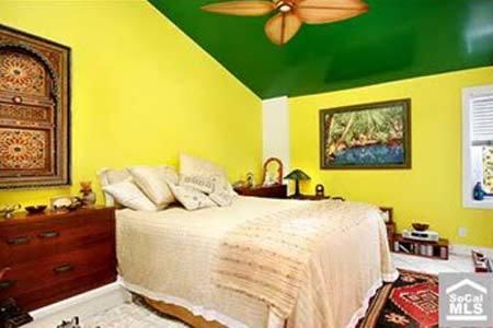 El dormitorio de la casa de la playa de Nicolas Cage.