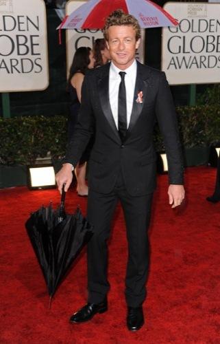 Los famosos mejor vestidos en los Globos de Oro. Simon Baker
