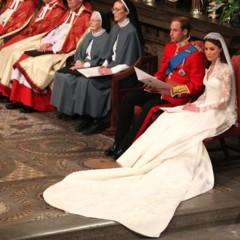 Foto 5 de 12 de la galería todas-las-imagenes-del-principe-guillermo-y-kate-middleton-en-el-altar en Trendencias