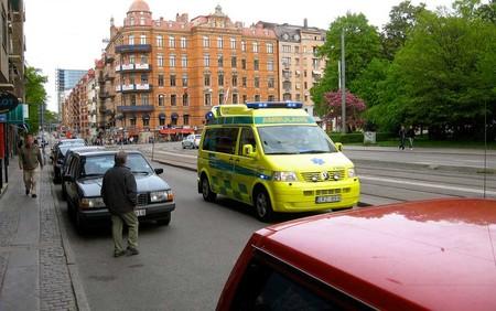Las ambulancias suecas se hacen oír: avisarán de su paso irrumpiendo en la reproducción de música de los coches