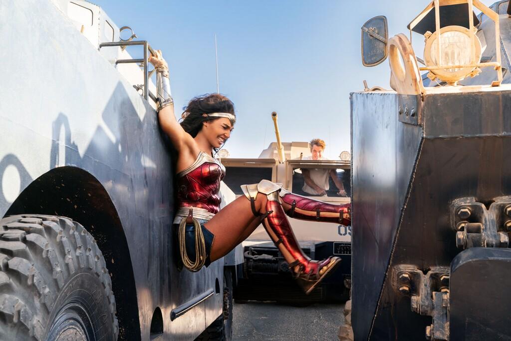 'Wonder Woman 1984' no logra reanimar la taquilla: la COVID-19 frena el estreno en cines del nuevo blockbuster de Warner