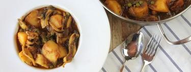 Papas con choco, la receta andaluza de patatas guisadas con sepia