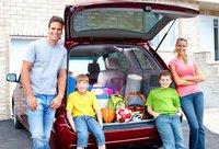 Viajar en coche con bebés y niños