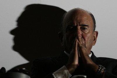 Banco Santander y Alfredo Saenz piden clemencia a San Zapatero con la mediación del Rey