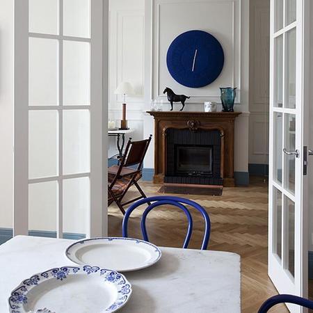 Una hermosa casa en San Petersburgo con toques azules