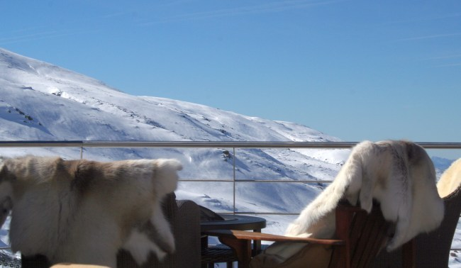 Hotel El Lodge en Sierra Nevada Vistas Terraza a pie de pista