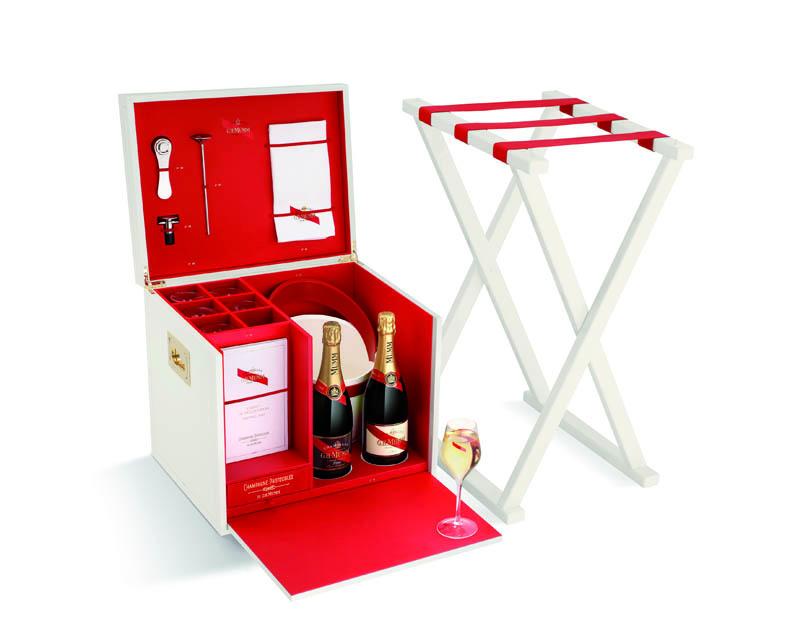 GH Mumm presenta sus protocolos de champagne con una espectacular fiesta en Paris