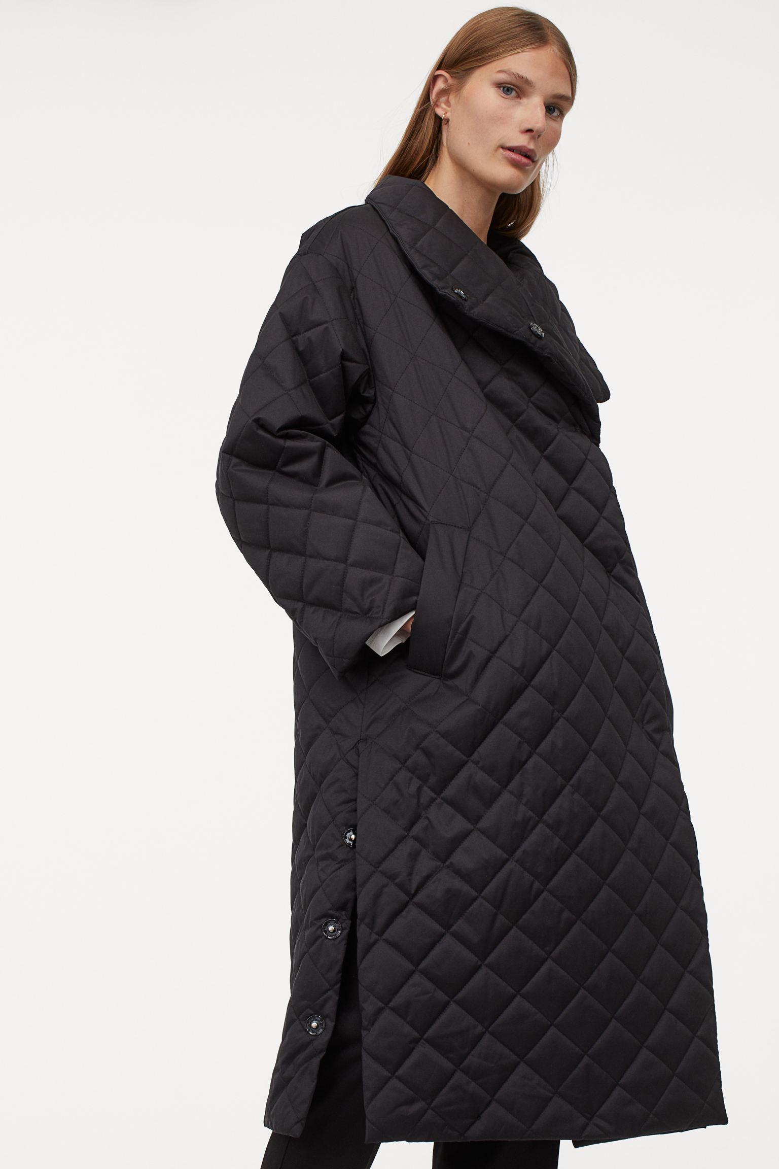 Abrigo guateado negro