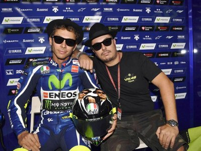 """""""Con Lorenzo fuera de Yamaha el ambiente es mucho mejor"""". Uccio, el bufón en la corte de Valentino"""