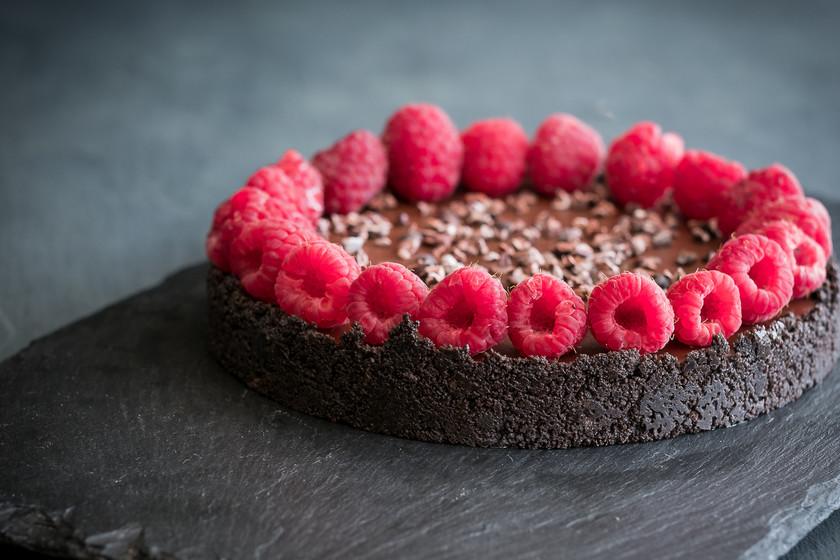 Tarta de ganache de chocolate y frambuesa: receta sin horno